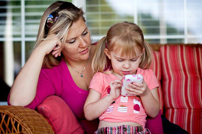 Are your Children addicted to iPhones? Use iPhone Spy Apps